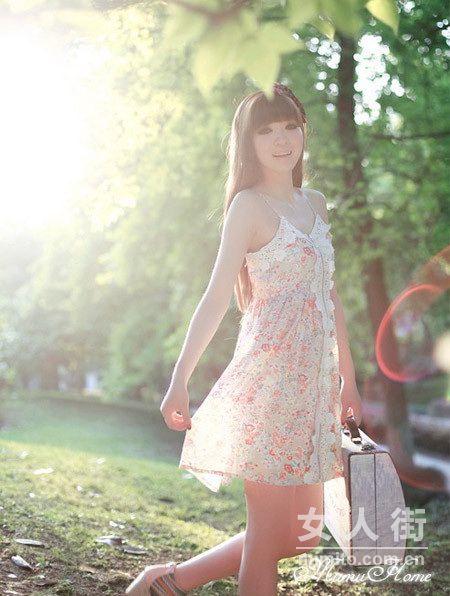时尚清爽混搭 夏日美女这样穿